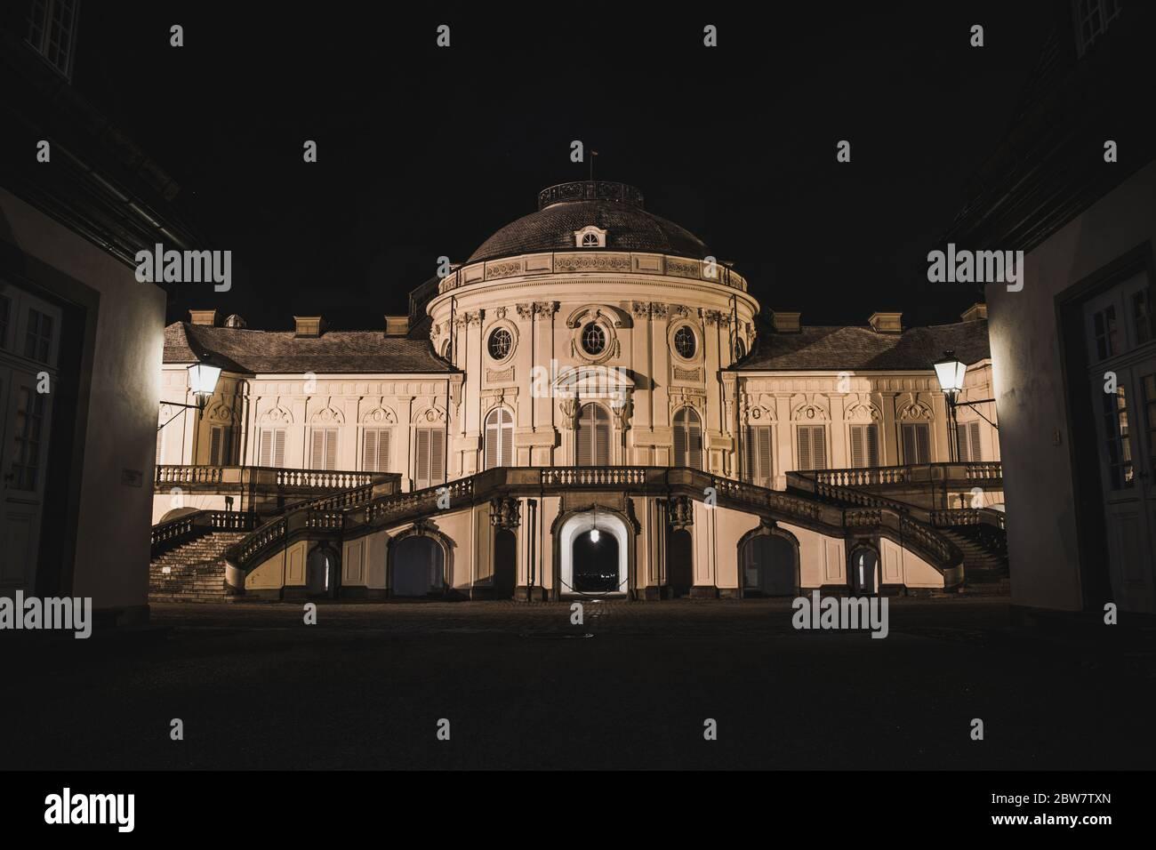 Schloss Solitude in Stuttgart, Deutschland, Baden-Wuerttemberg bei Nacht Stock Photo