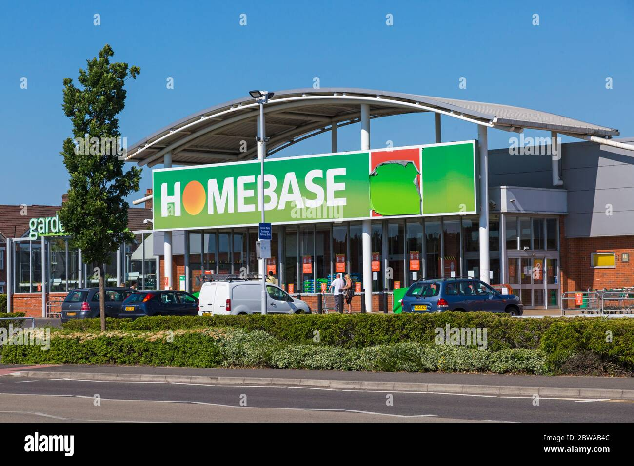 Poole, Dorset UK. 31st May 2020. People queueing at Homebase in Branksome, Poole adhering to social distancing measures during Coronavirus COVID 19 lockdown and easing of restrictions. Credit: Carolyn Jenkins/Alamy Live News Stock Photo