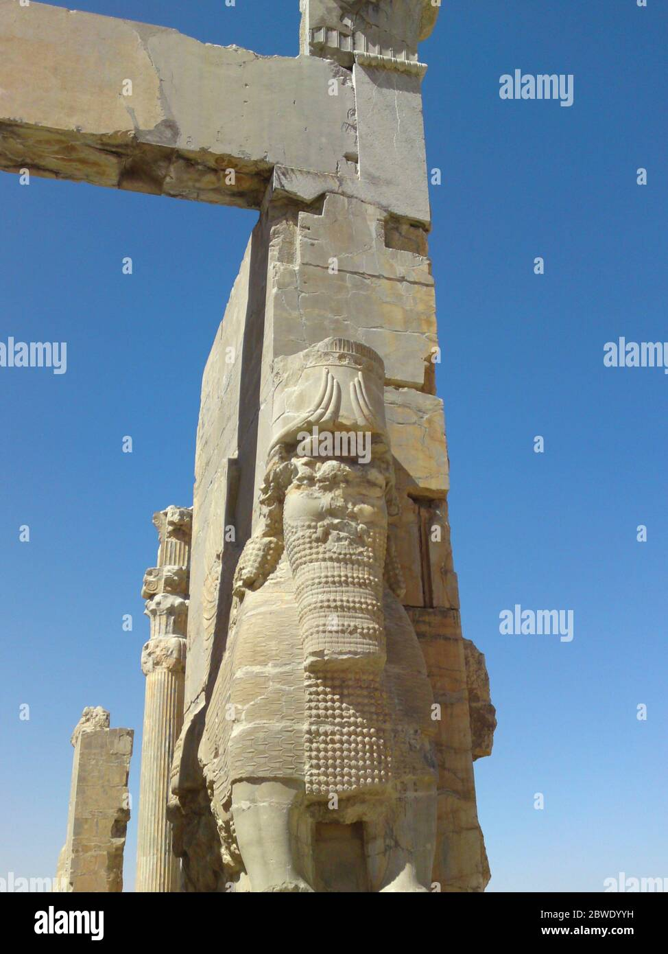 Shiraz Persepolis Iran The Great Entrance To All Nations Gate Xerxes Gate In Persepolis Archaeological Site With Giant Statues Of Lamassu Protect Stock Photo Alamy
