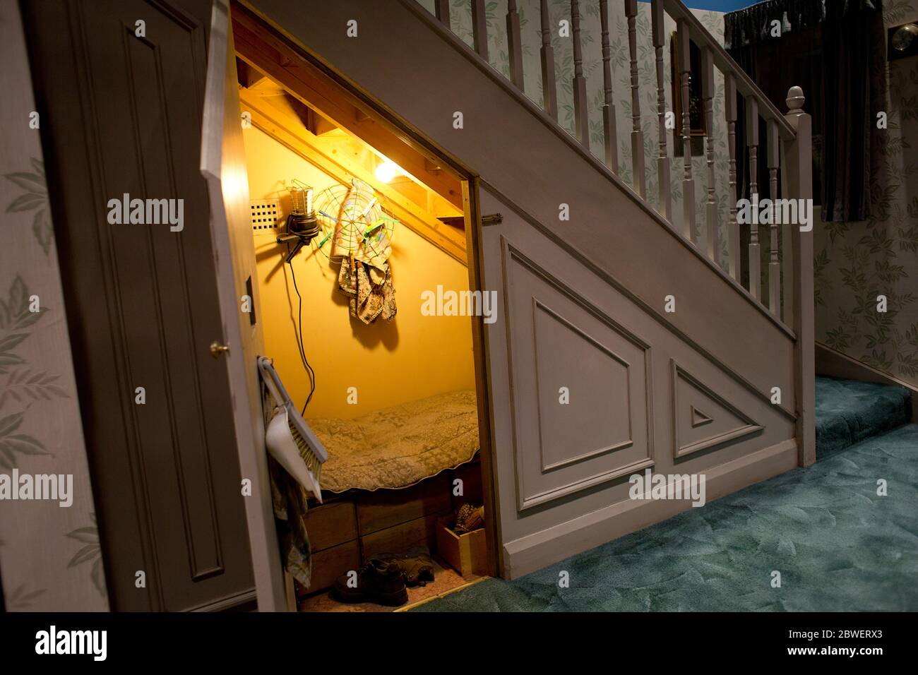 Harry Potter S Bedroom Under The Staircase At Warner Bros Studios Tour London Uk Harry Potter Studio Tour Backstage Objects Movies Factory Stock Photo Alamy