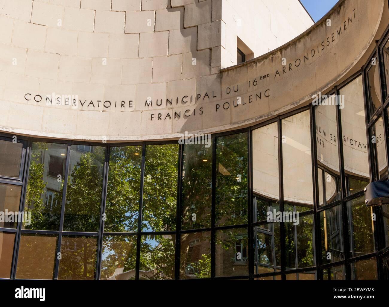 Conservatoire Municipal Francis Poulenc, 11 Rue Jean de la Fontaine, 75016 Paris, France Stock Photo