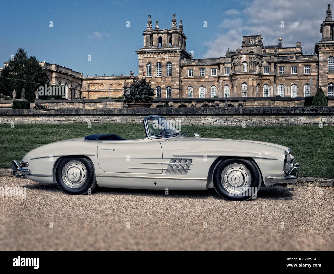 1958 Mercedes Benz 300sl Roadster At Salon Prive Blenheim Palace 2019 Stock Photo Alamy
