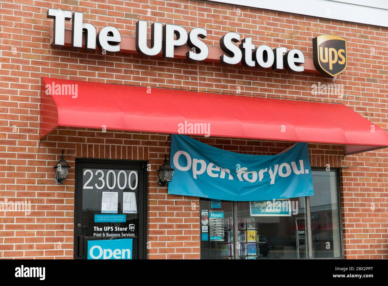 A Logo Sign Outside Of A The Ups Store Location In Seaford Delaware On May 25 2020 Stock Photo Alamy