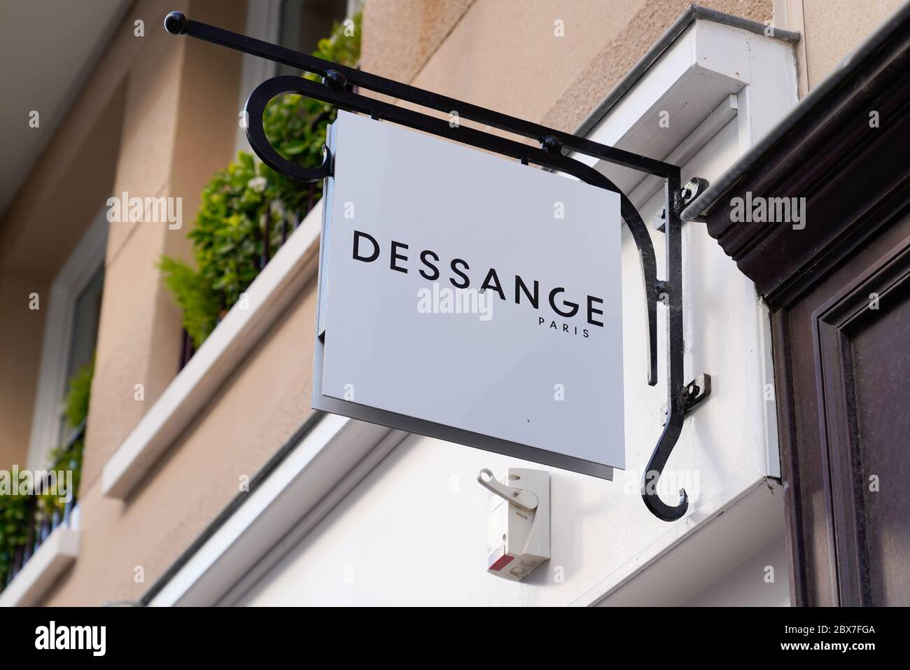 Jacques Dessange High Resolution Stock Photography And Images Alamy