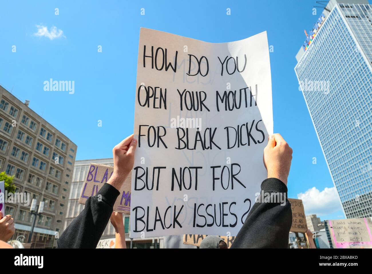 sign-reading-how-do-you-open-your-mouth-
