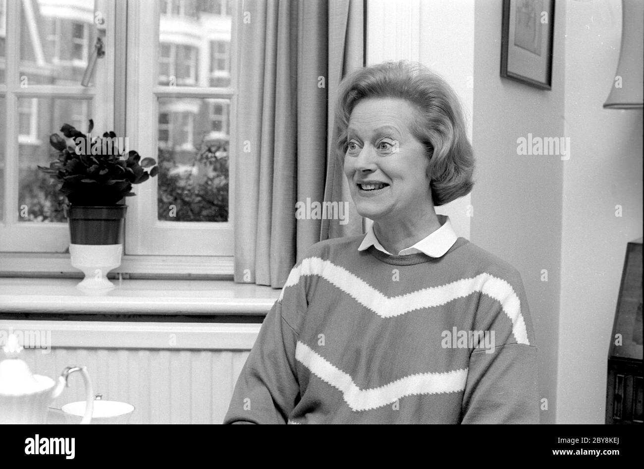 Josephine Tewson At Home In 1988 Stock Photo Alamy She is best known for her large roles in british television. https www alamy com josephine tewson at home in 1988 image360993994 html