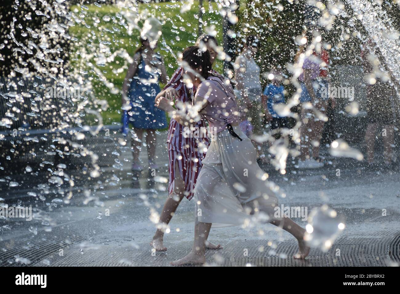 Krasnodar Russia 9th June 2020 People Are Seen By A Walk Through Fountain Due To The