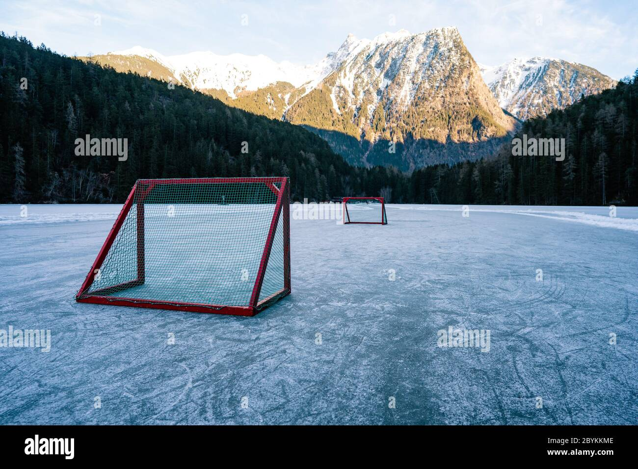 Pond Hockey High Resolution Stock Photography And Images Alamy