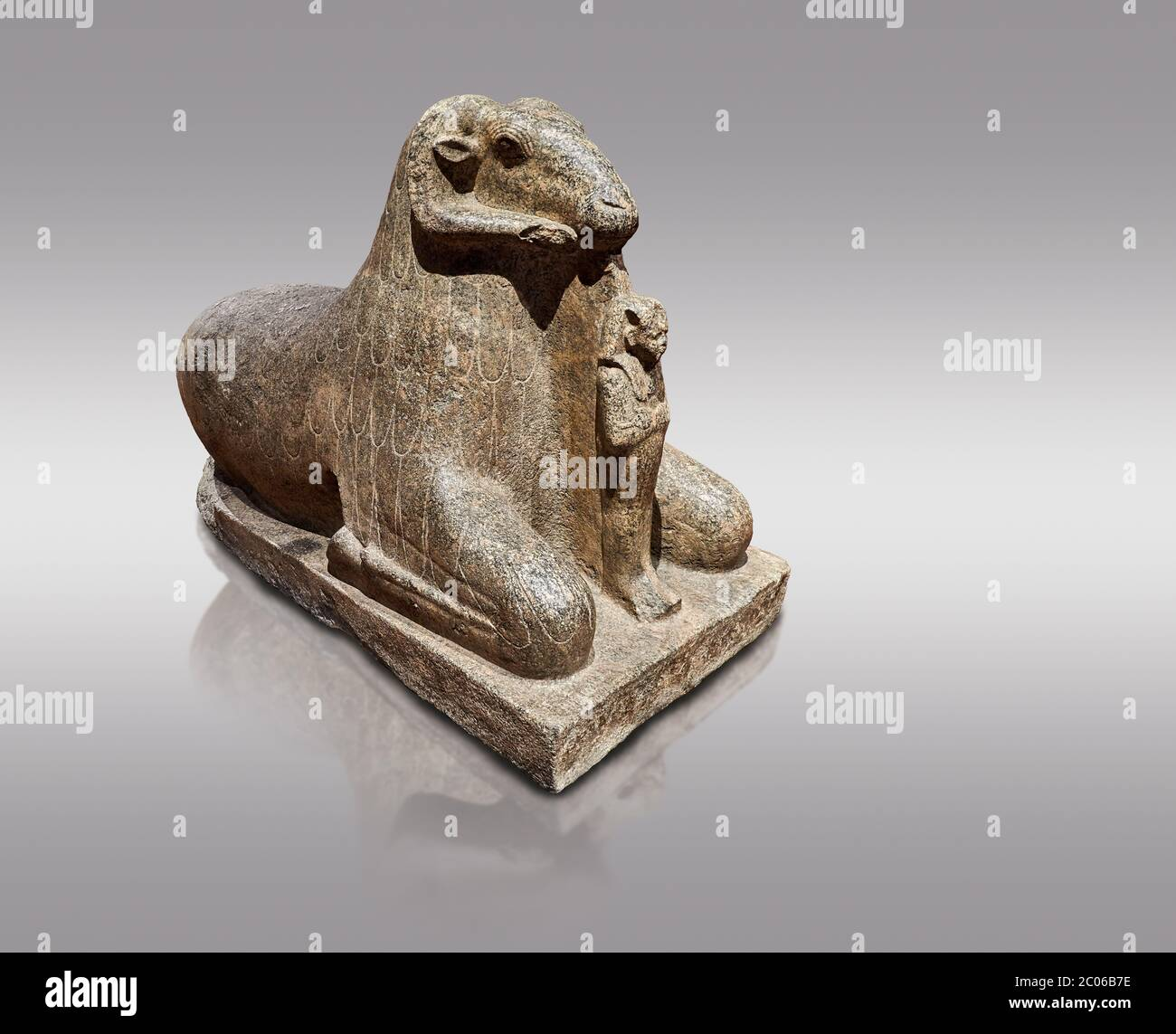 Ancient Egyptian statue of a Ram proytecting King Amenhotep III, granite, New Kingdom, early 18th Dynasty (1390-1353), Karnak, Temple of Mut. Egyptian Stock Photo