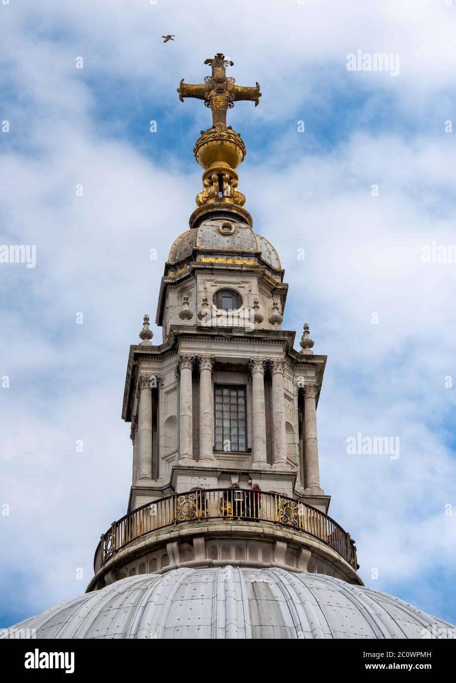 St Paul S Cathedral London England Golden Gallery Above The Dome Stock Photo Alamy