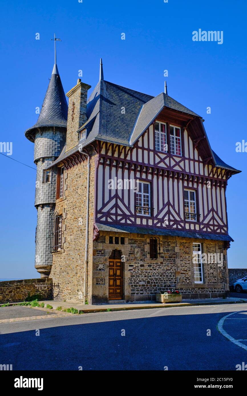 France Turrets House High Resolution Stock Photography And Images Alamy