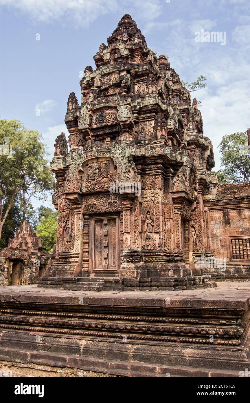 Chapel, or Prasats at the ancient Khmer temple of Banteay Srei, build in 967 in Angkor, Cambodia. Stock Photo