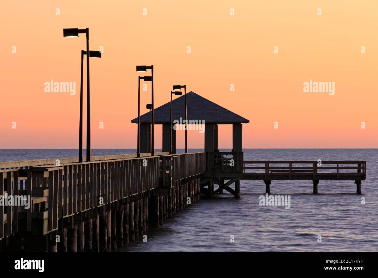 Lighthouse Pier Biloxi Mississippi Usa Stock Photo Alamy