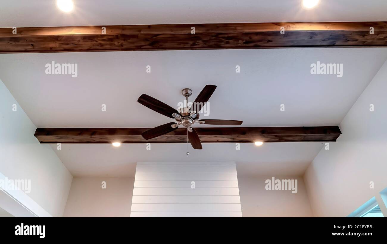 Page 3 Recessed Lighting Ceiling High Resolution Stock Photography And Images Alamy