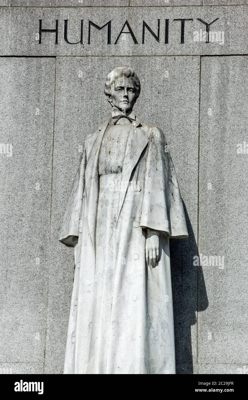 Statue commemorating the nurse and heroine Edith Cavell ( 1865 - 1915) who was shot by a German firing squad for treason in World War I.  Public monum Stock Photo