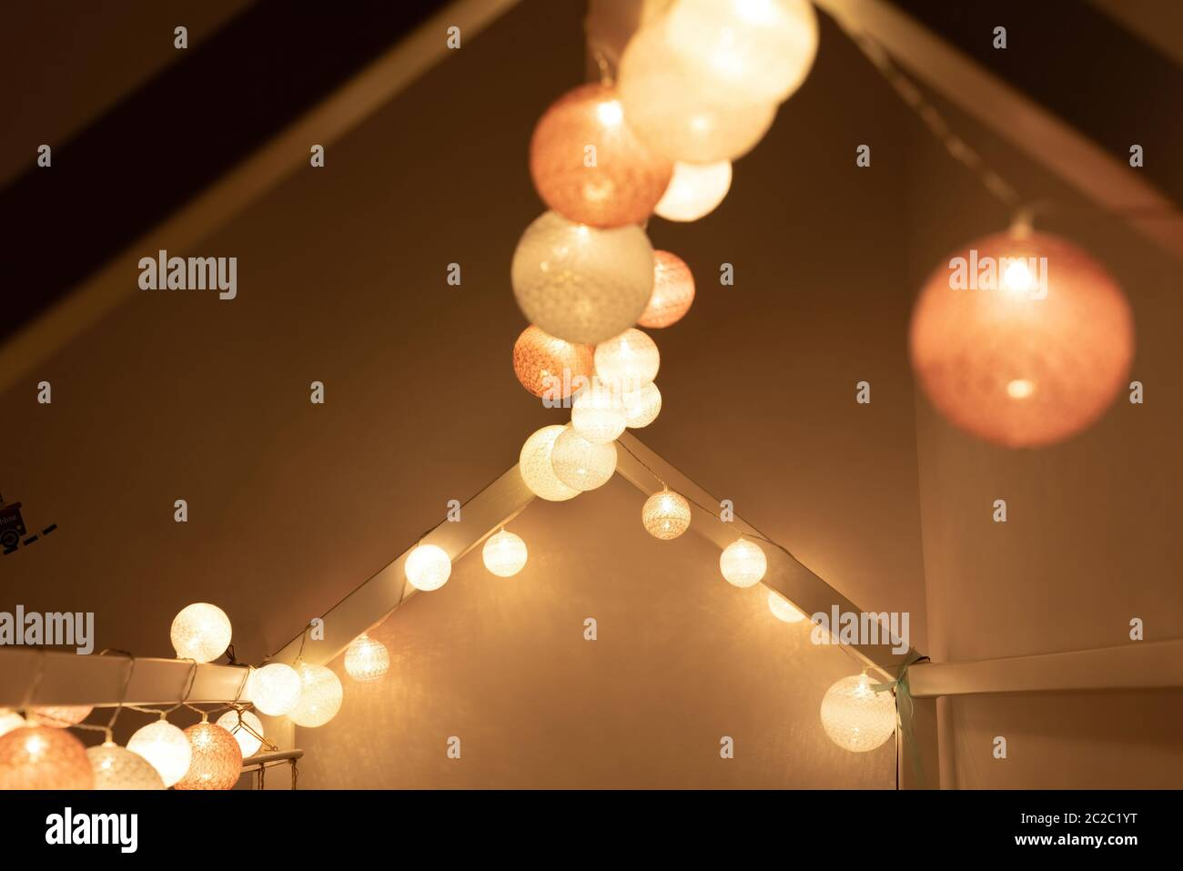 Canopy Bed High Resolution Stock Photography And Images Alamy