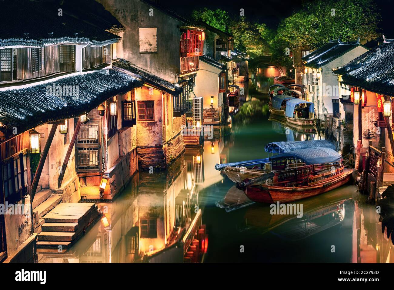 night view of illuminated Zhouzhuang water town, Jiangsu, China Stock Photo