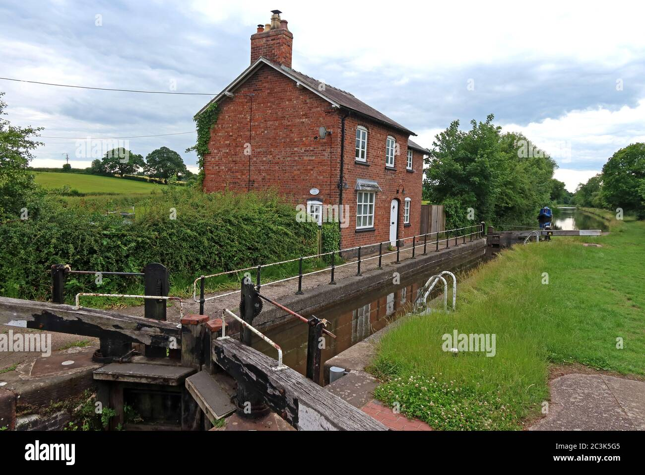 Marbury Lock No 10, Lock-keeper's Cottage, School Lane, Marbury, Whitchurch, Cheshire, England, UK,  SY13 4HS Stock Photo