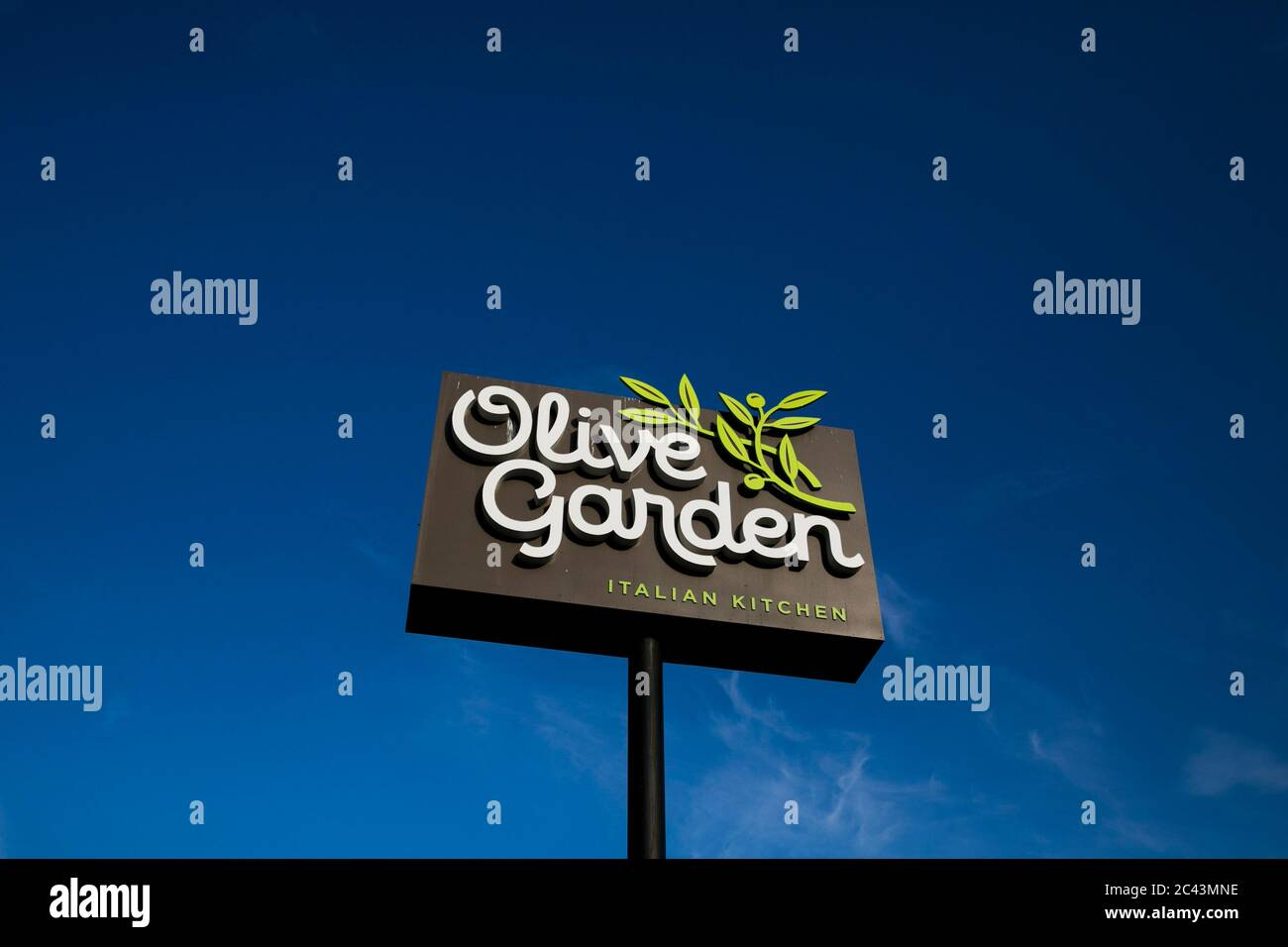 A Logo Sign Outside Of A Olive Garden Restaurant Location In Hagerstown Maryland On June 10 2020 Stock Photo Alamy