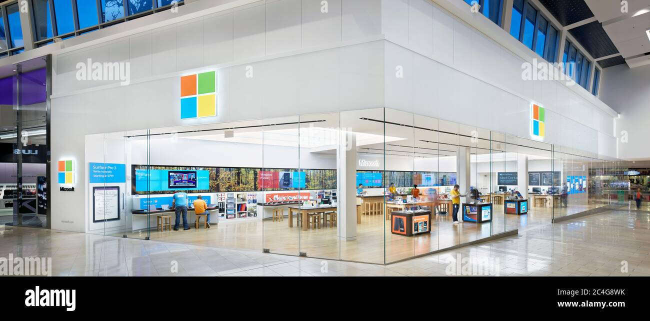 Microsoft Retail Store At The Westfield Garden State Plaza Mall In New Jersey Photographed By John Muggenborg Stock Photo Alamy