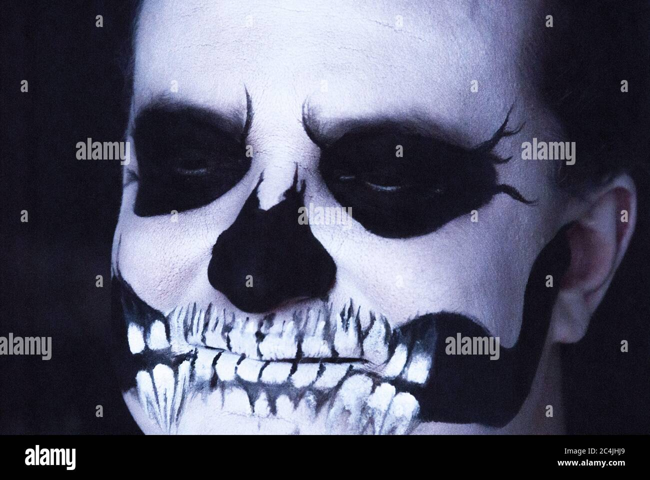Skeleton Face Paint High Resolution Stock Photography And Images Alamy