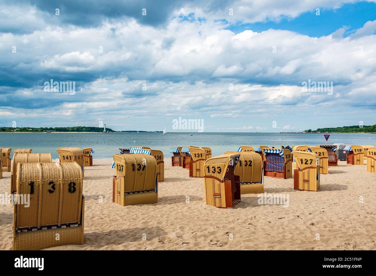 Der Badestrand von Heikendorf Möltenort an der Ostsee in der Kieler Bucht Stock Photo