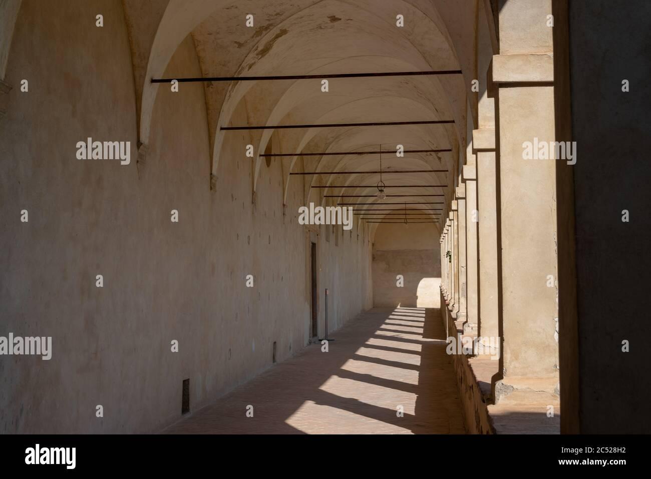 Auf einem Hügel nahe Siena befindet sich die Certosa di Pontignano, ein ehemalige Kloster, heute als Gästehaus der Universität Siena. Stock Photo