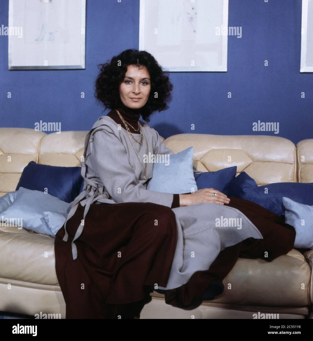 Djamal nackt Gitty  Actress Gitty