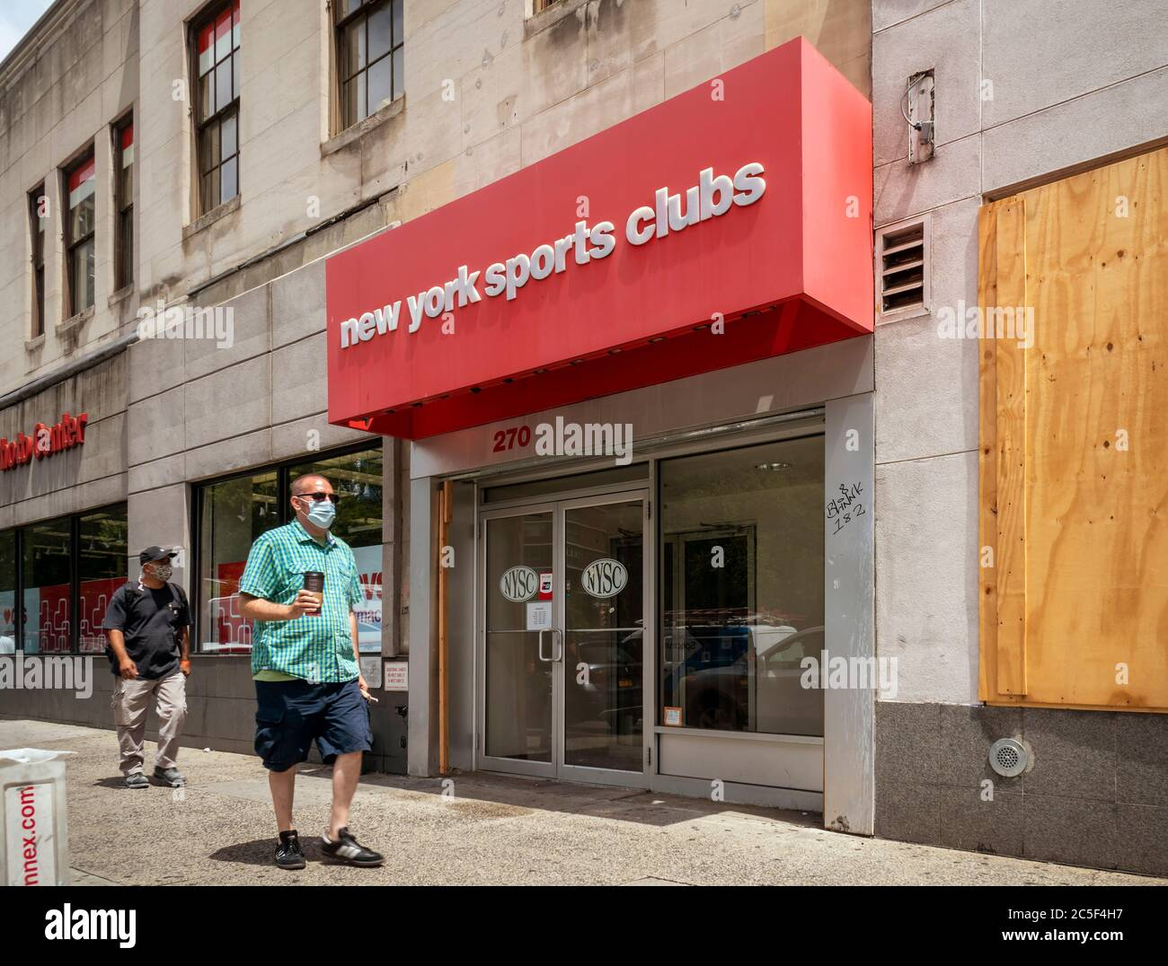 Closed New York Sports Club gym during the Covid-19 pandemic in New York on Tuesday, June 30, 2020. Owners of boutique gyms are planning to sue the Cuomo administration to reopen. The struggling gyms were originally part of the Phase 4 reopening but NYS Gov. Andrew Cuomo removed them. (© Richard B. Levine) Stock Photo
