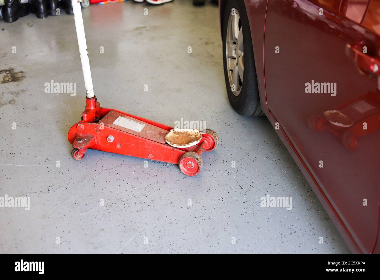 Car Jack High Resolution Stock Photography And Images Alamy