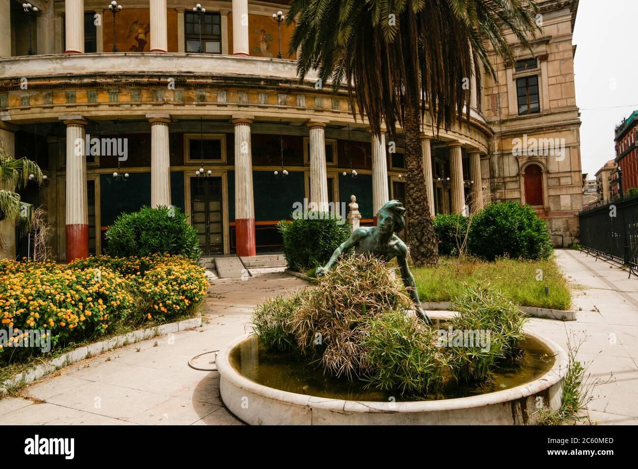 Politeama-Garibaldi Theater (Teatro Politeama-Garibaldi), Piazza Ruggero Settimo, Palermo, Sicily, Italy, Europe. Stock Photo