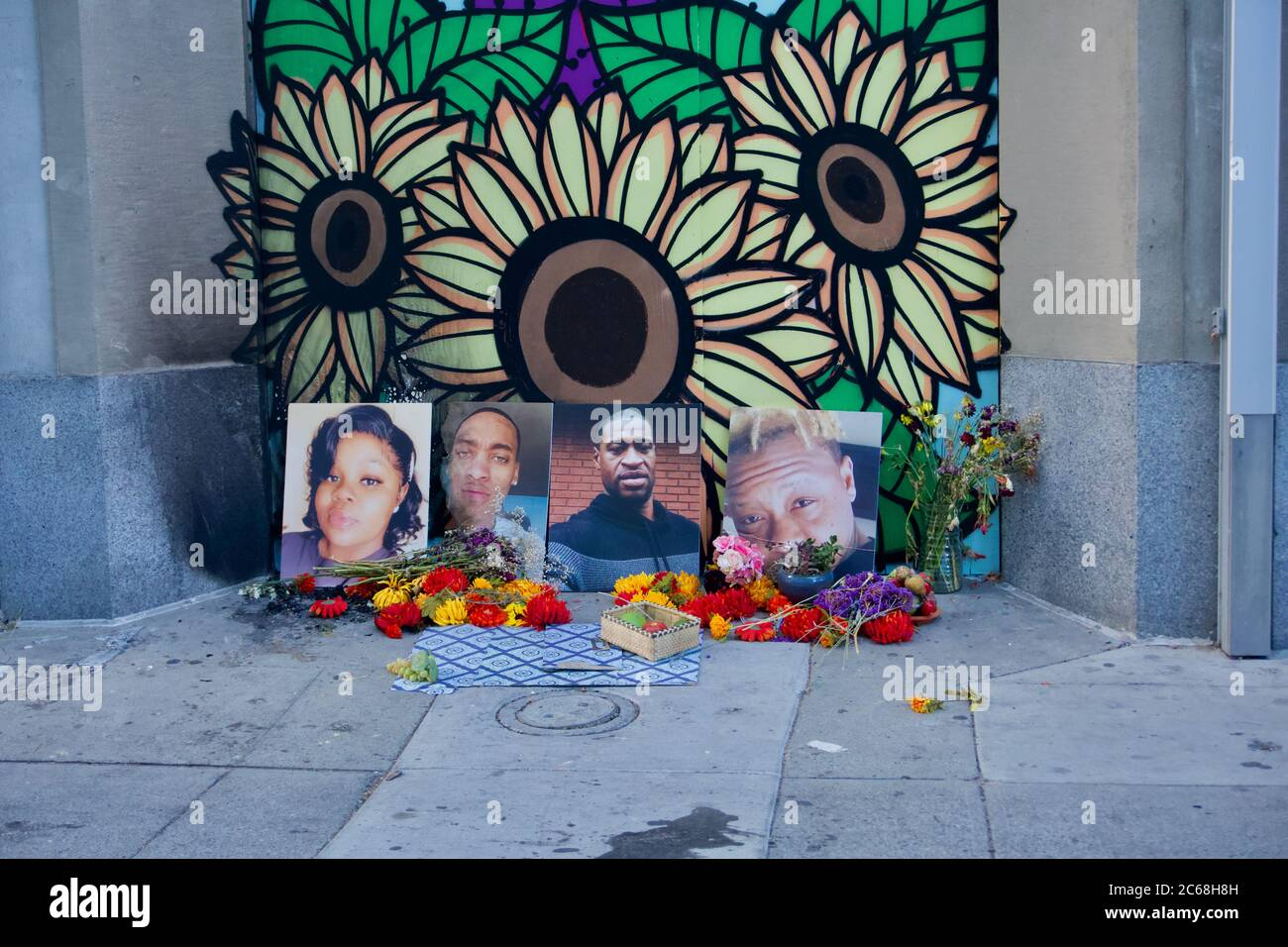 Black Lives Matter Street Art And Memorial Shrine To Breonna Taylor George Floyd And Others Killed By Police Brutality Oakland Ca Usa Stock Photo Alamy