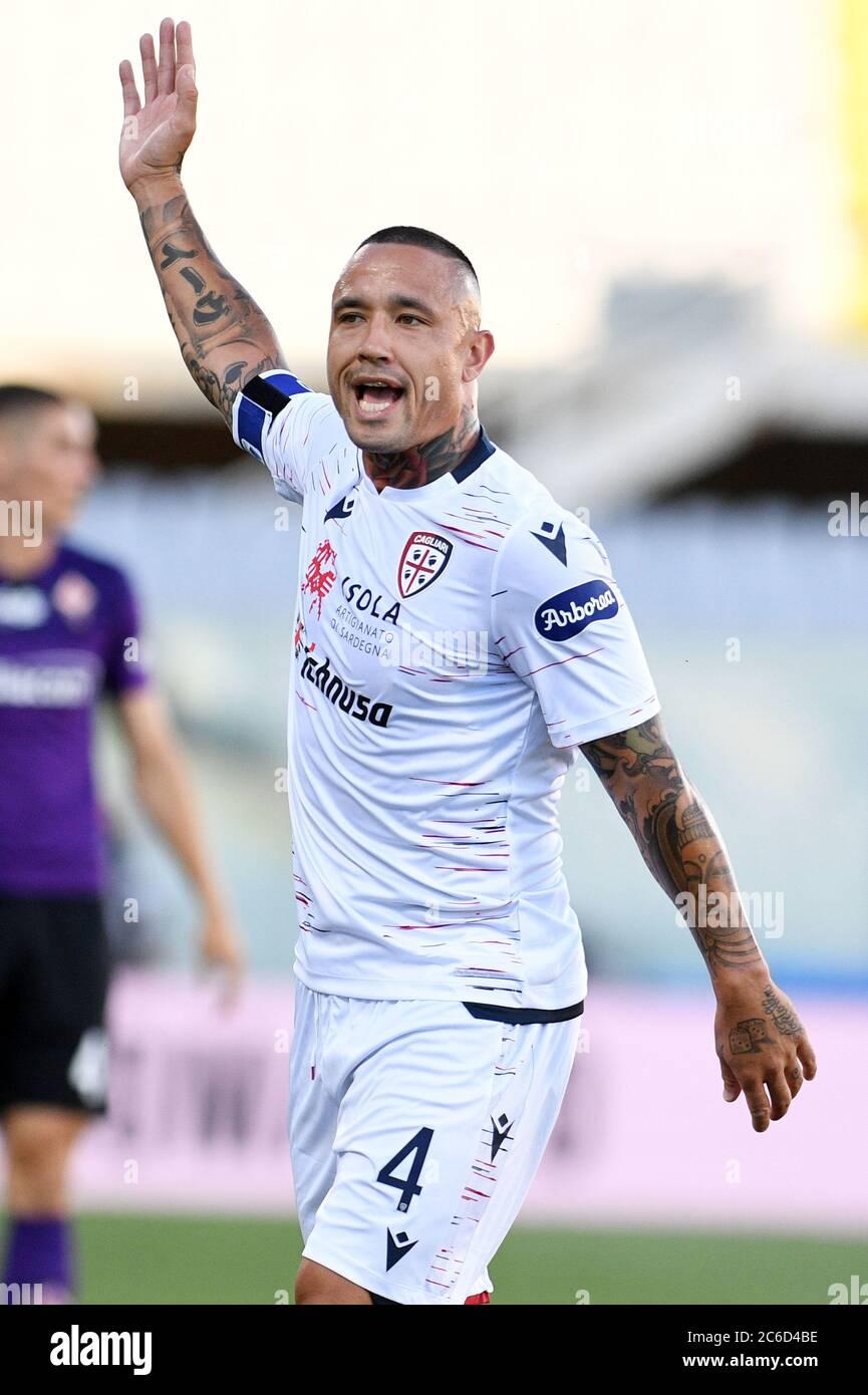 Radja Nainggolan of Cagliari Calcio in action during ACF Fiorentina vs  Cagliari, Florence, Italy, 08 Jul 2020 Stock Photo - Alamy