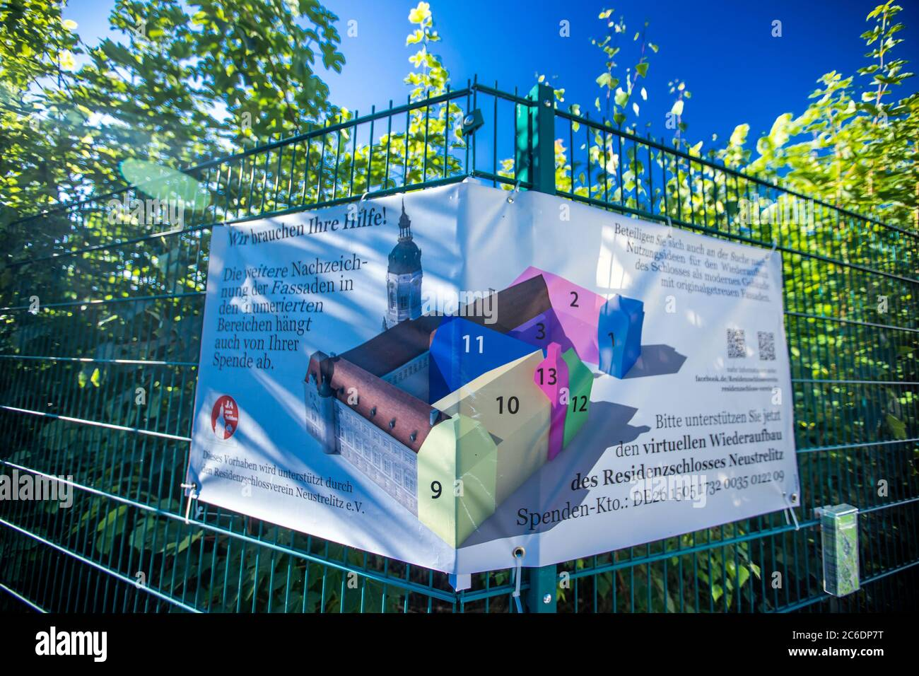 Neustrelitz, Germany. 23rd June, 2020. An advertising poster of the Residenzschlossverein at the Kavaliershaus at today's Schlossplatz. The house is the only preserved building of the former Residenzschloss. Credit: Jens Büttner/dpa-Zentralbild/ZB/dpa/Alamy Live News Stock Photo