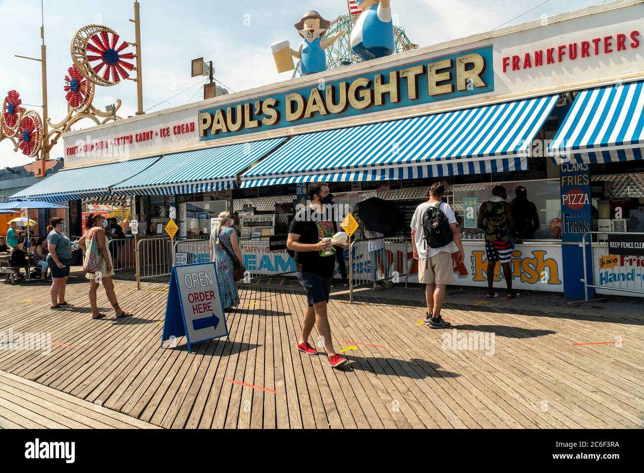 Paul's Daughter on the boardwalk at Coney Island in Brooklyn in New York on the long Independence Day weekend, Sunday, July 5, 2019.  (© Richard B. Levine) Stock Photo