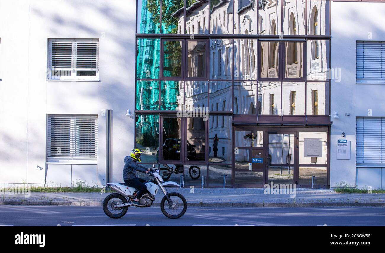 Neustrelitz, Germany. 23rd June, 2020. An office building with a glass front in the Tiergartenstraße Credit: Jens Büttner/dpa-Zentralbild/ZB/dpa/Alamy Live News Stock Photo