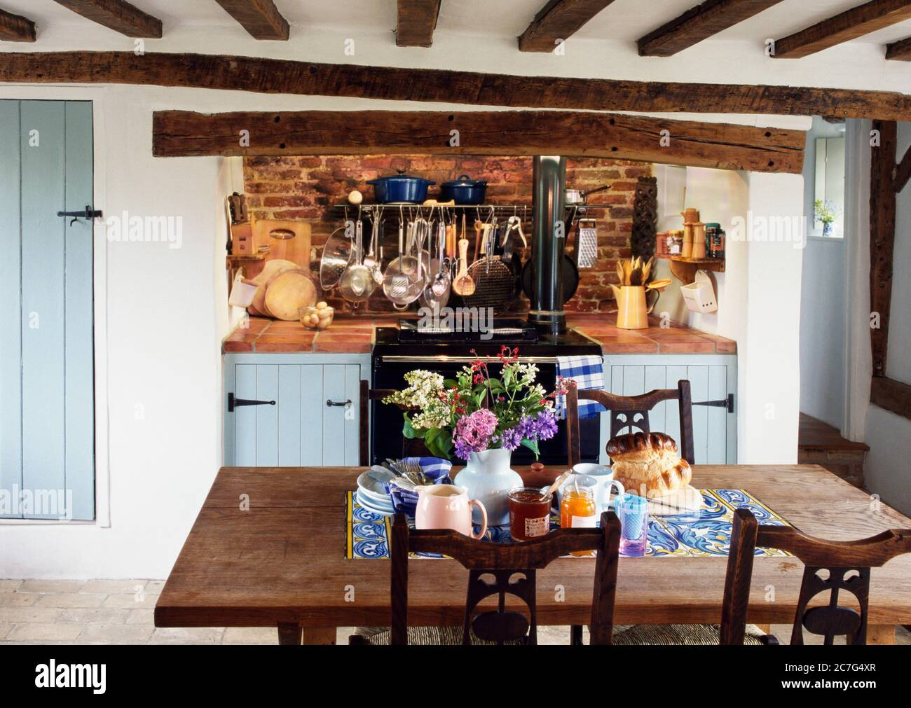 Classic English Country Kitchen High Resolution Stock Photography And Images Alamy