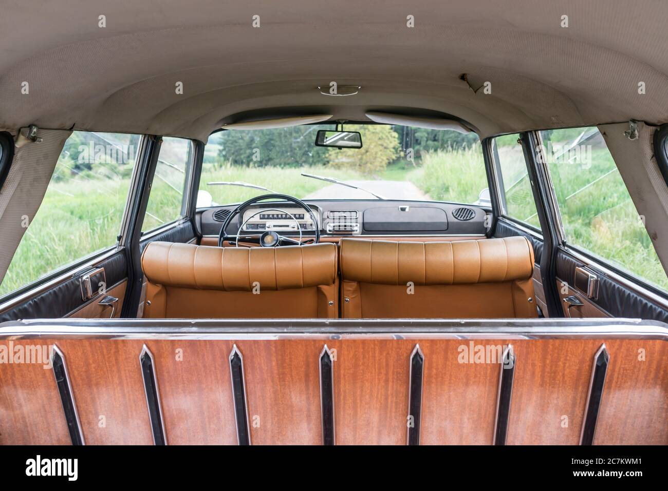 Breuberg, Hessen, Germany. Peugeot 404 station wagon, year of construction 1964, PS 80, displacement 1998 Stock Photo