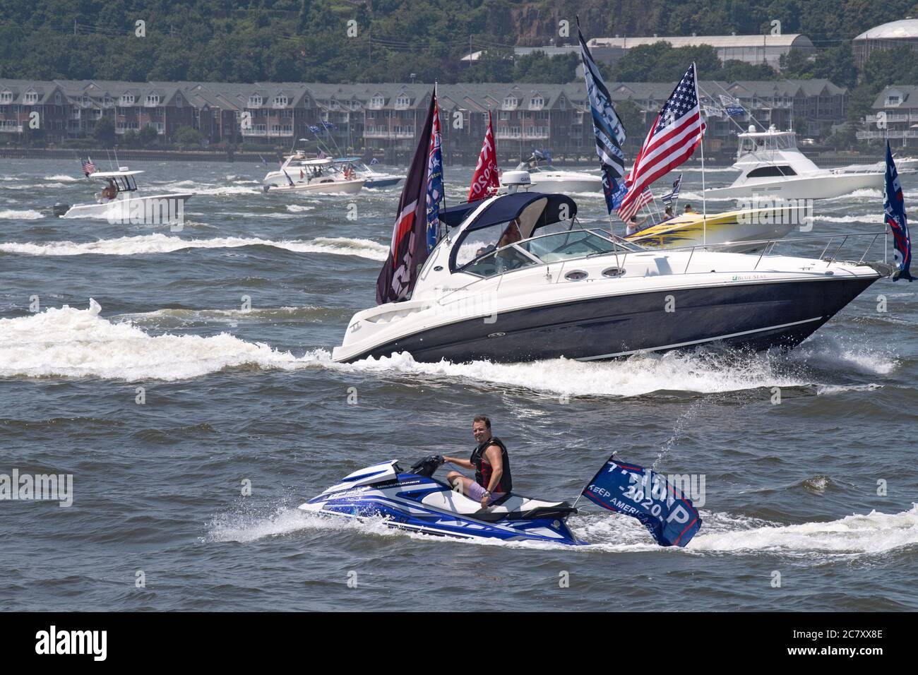New York Ny July 19 2020 A Huge Flotilla Of Boats And Jetski Displaying Trump 2020 Flags Make Their Way Up Manhattan S Hudson River Trumpstock Stock Photo Alamy