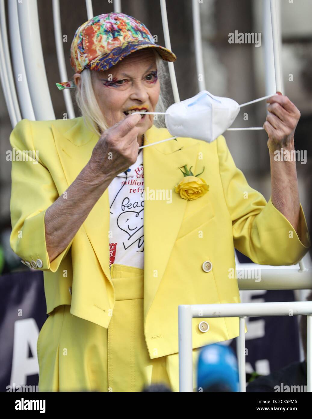 Vivienne Westwood Seen Holding A Face Mask During The Protest Fashion Designer And Business Woman Dame