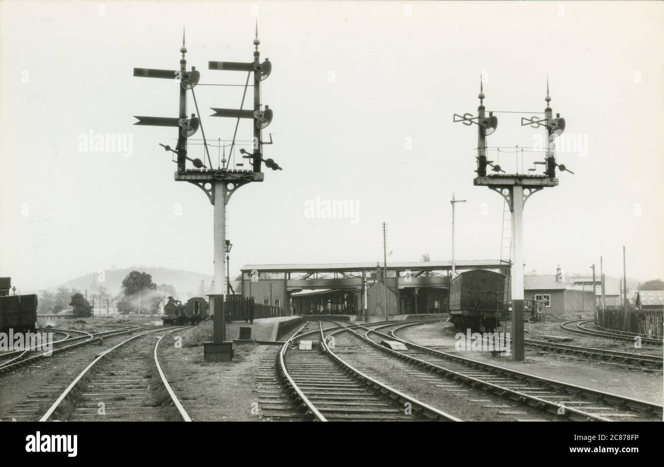 Railway Station - Showing HR 96), Forres, Morray, Inverness, Scotland.     Date: 1934 Stock Photo