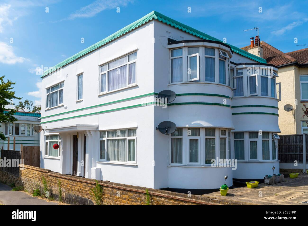 Art Deco Style Property In Westcliff On Sea Essex Uk Bright White Residential Home English 1930s Architecture Classic House Design Trim Stock Photo Alamy