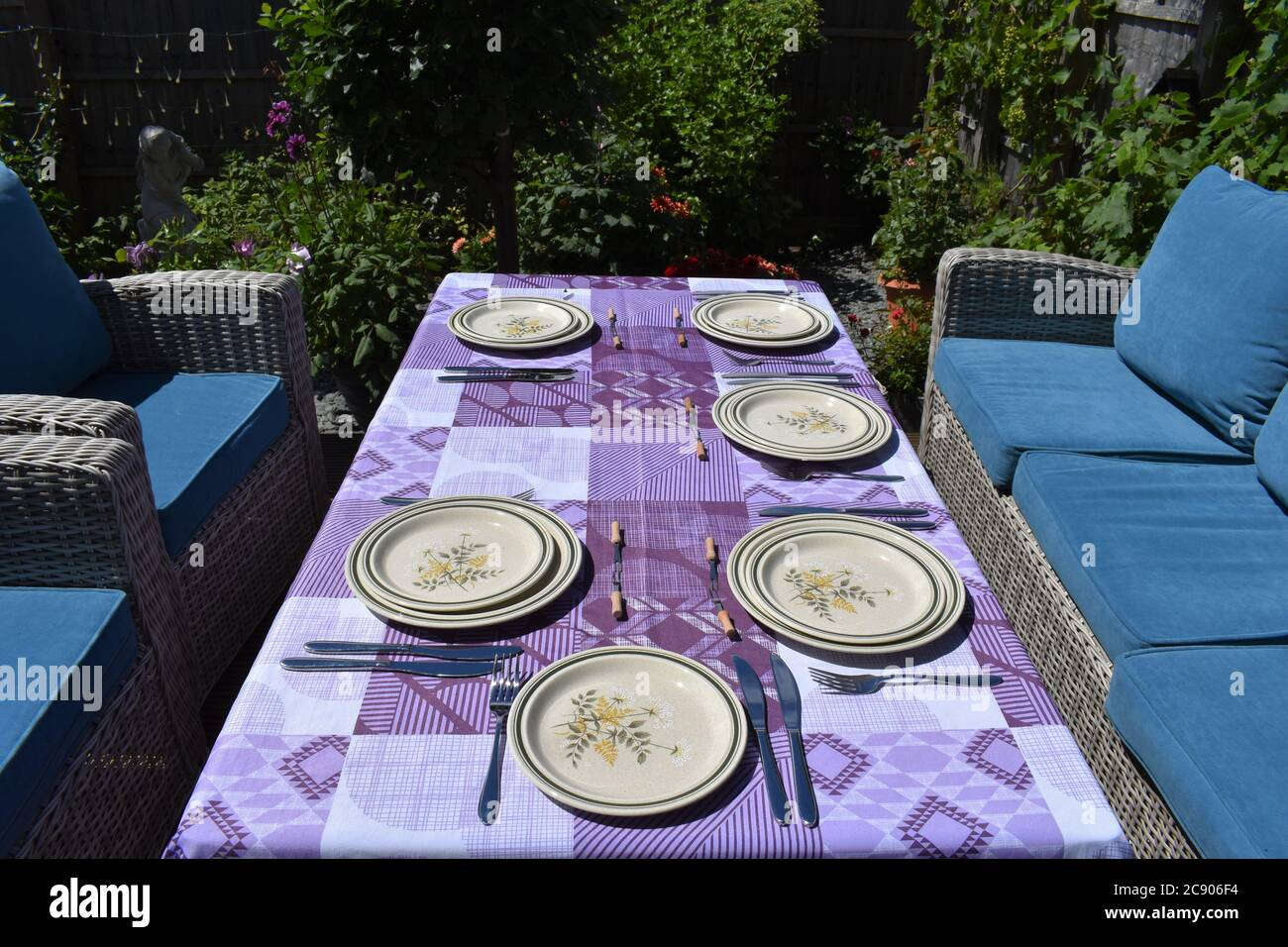 Rattan Garden Furniture High Resolution Stock Photography And Images Alamy
