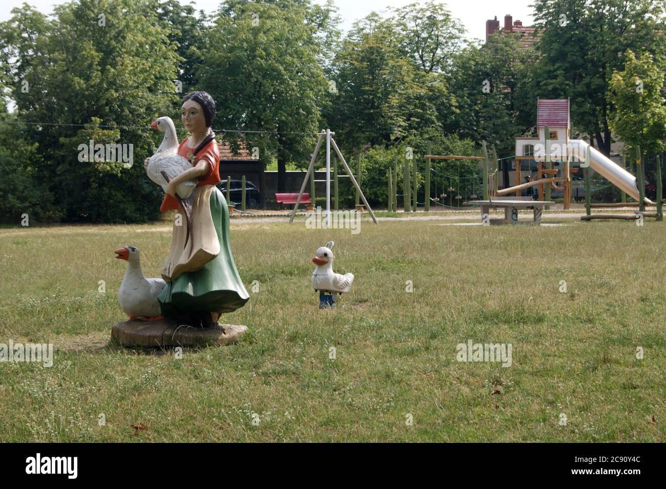 Spielplatz am Ungewitterweg in der Gartenstadt Staaken in Berlin-Spandau. Stock Photo