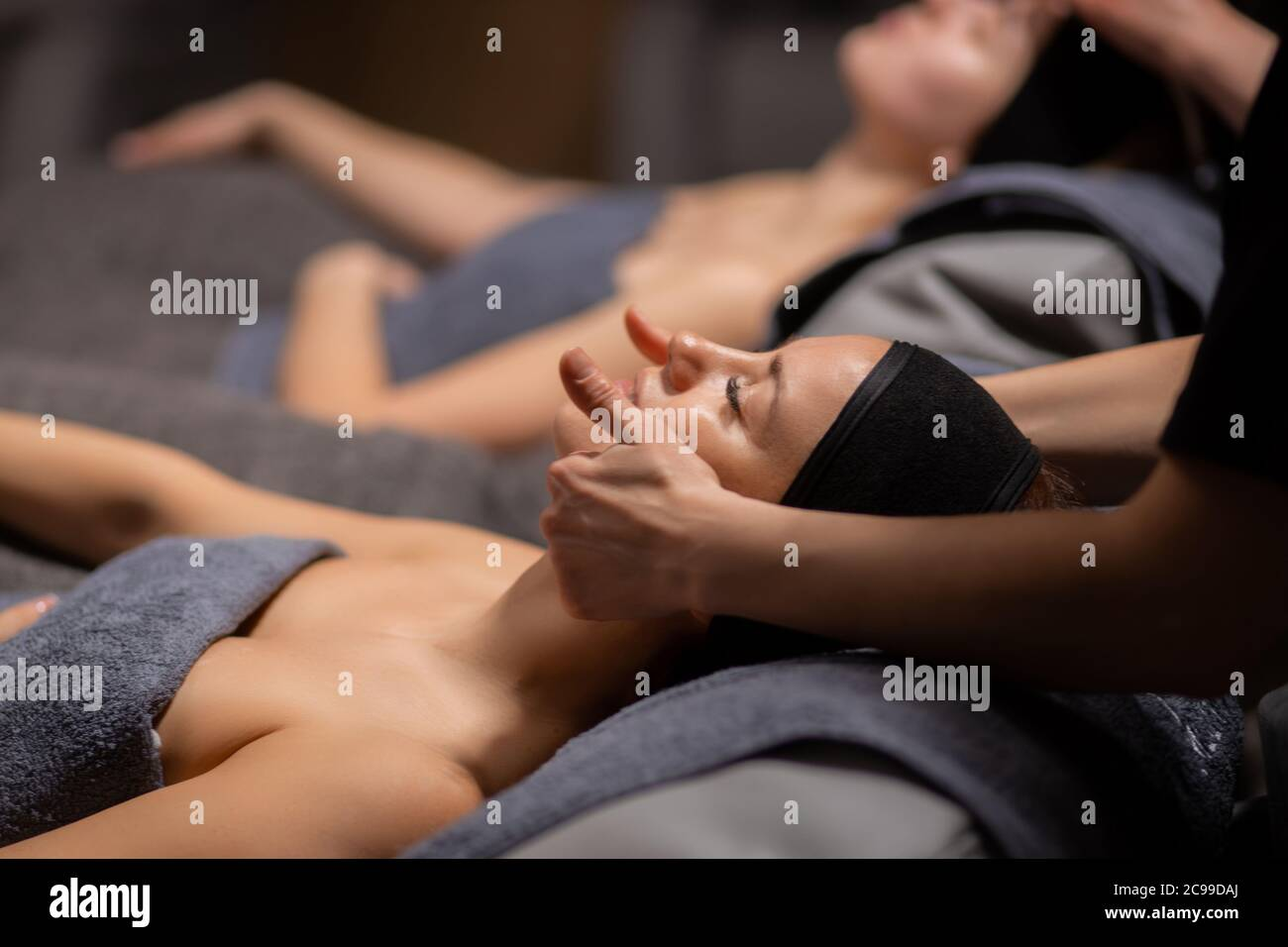 Massages gives woman professionally who How To