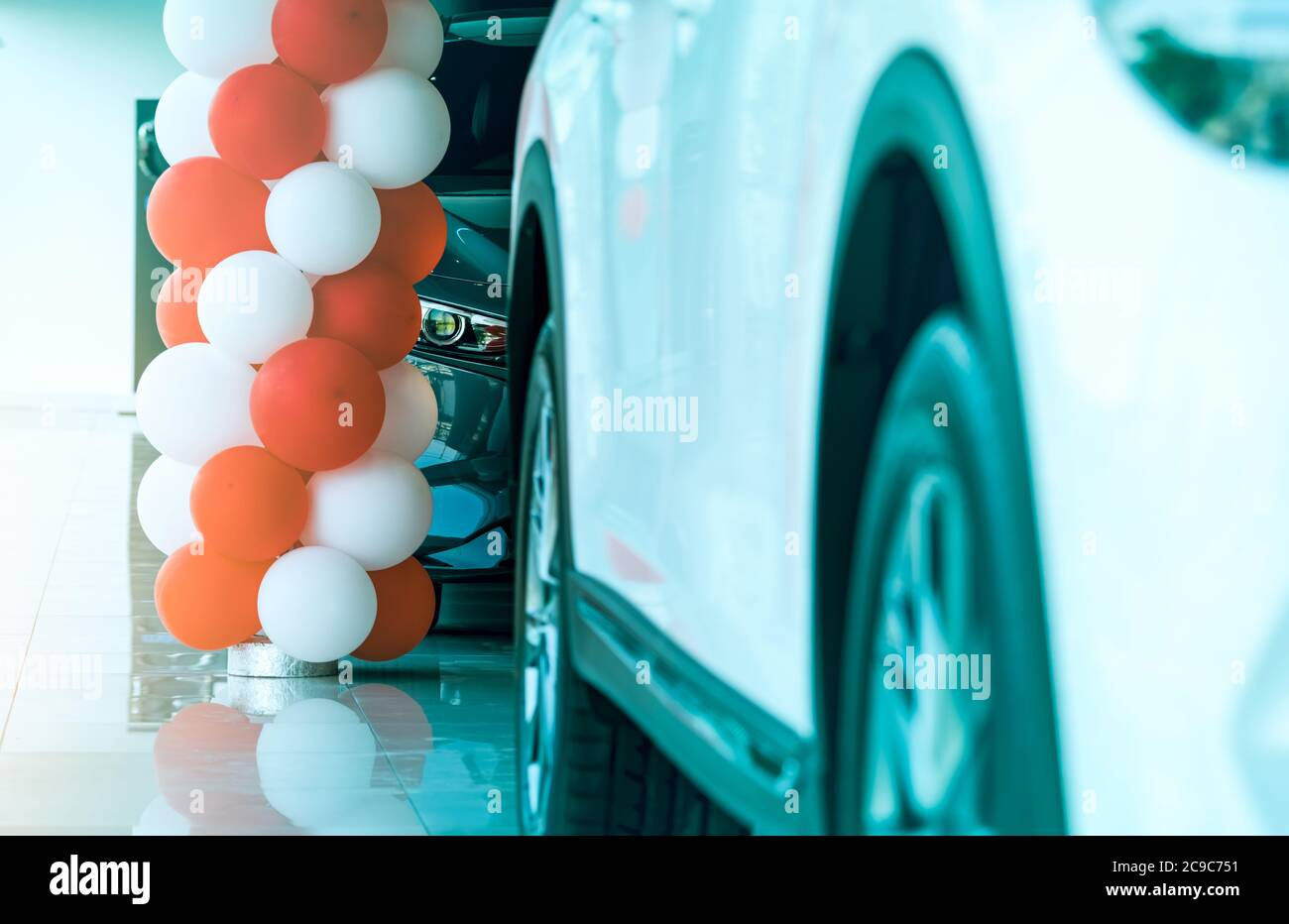 Closeup Headlamp Light Of New Luxury Suv Car Parked In Modern Showroom Car Dealership Showroom Office Automobile Leasing Concept Automotive Stock Photo Alamy