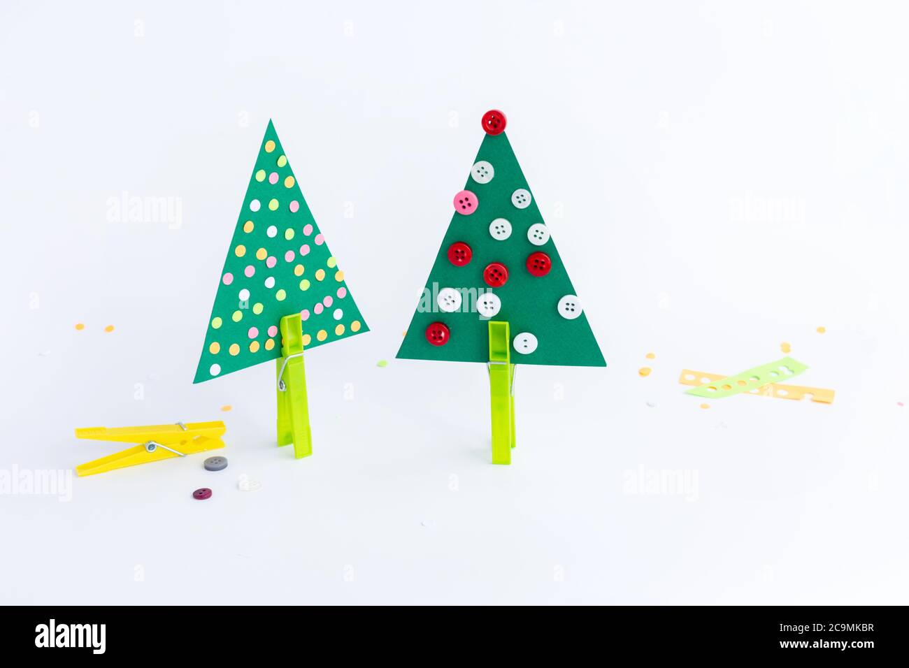 Christmas Tree Paper Craft For Kids Easy Creative Projects For Young Kids Stock Photo Alamy
