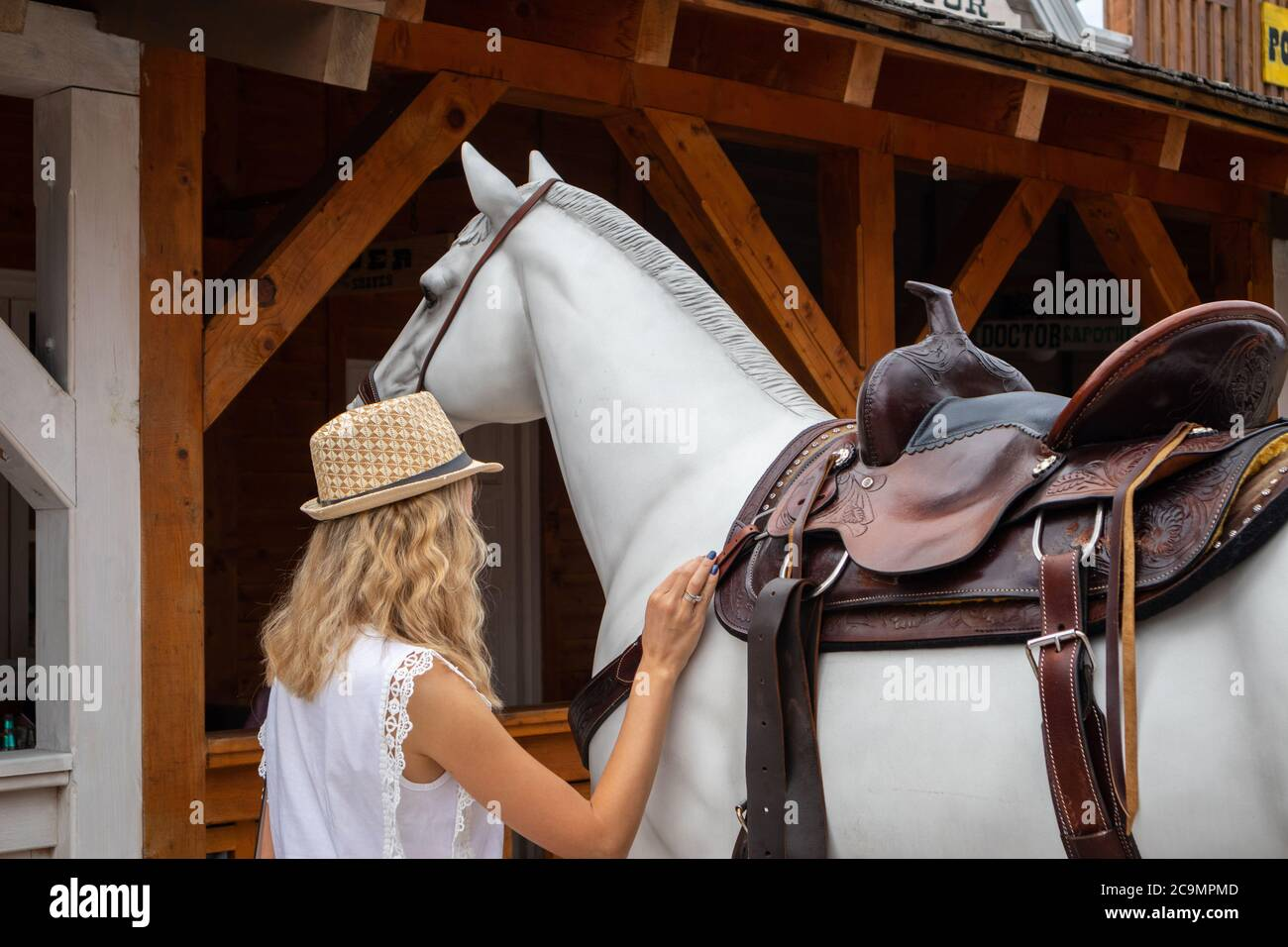 Zlatibor Vodice Serbia July 26 2020 Woman And Wooden Horse On Street In The City Of El Paso In Wild West Style And Cowboy Style Western Thematic Stock Photo Alamy