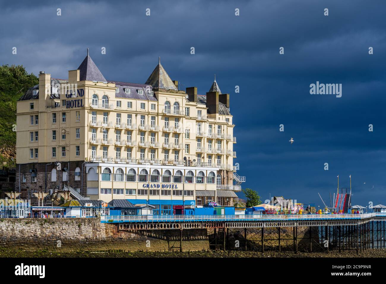 The Grand Hotel Llandudno North Wales Dating From 1855 But Substantially Reconstructed In 1901 162 Rooms Hotel Architecture Stock Photo Alamy