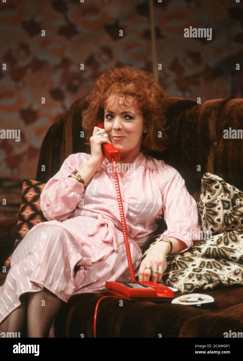 THE RISE AND FALL OF LITTLE VOICE by Jim Cartwright music: Terry Davies design: William Dudley lighting: Mick Hughes movement: Jane Gibson director: Sam Mendes  Alison Steadman (Mari Hoff) Cottesloe Theatre, National Theatre (NT), London SE1 16/06/1992 (c) Donald Cooper Stock Photo